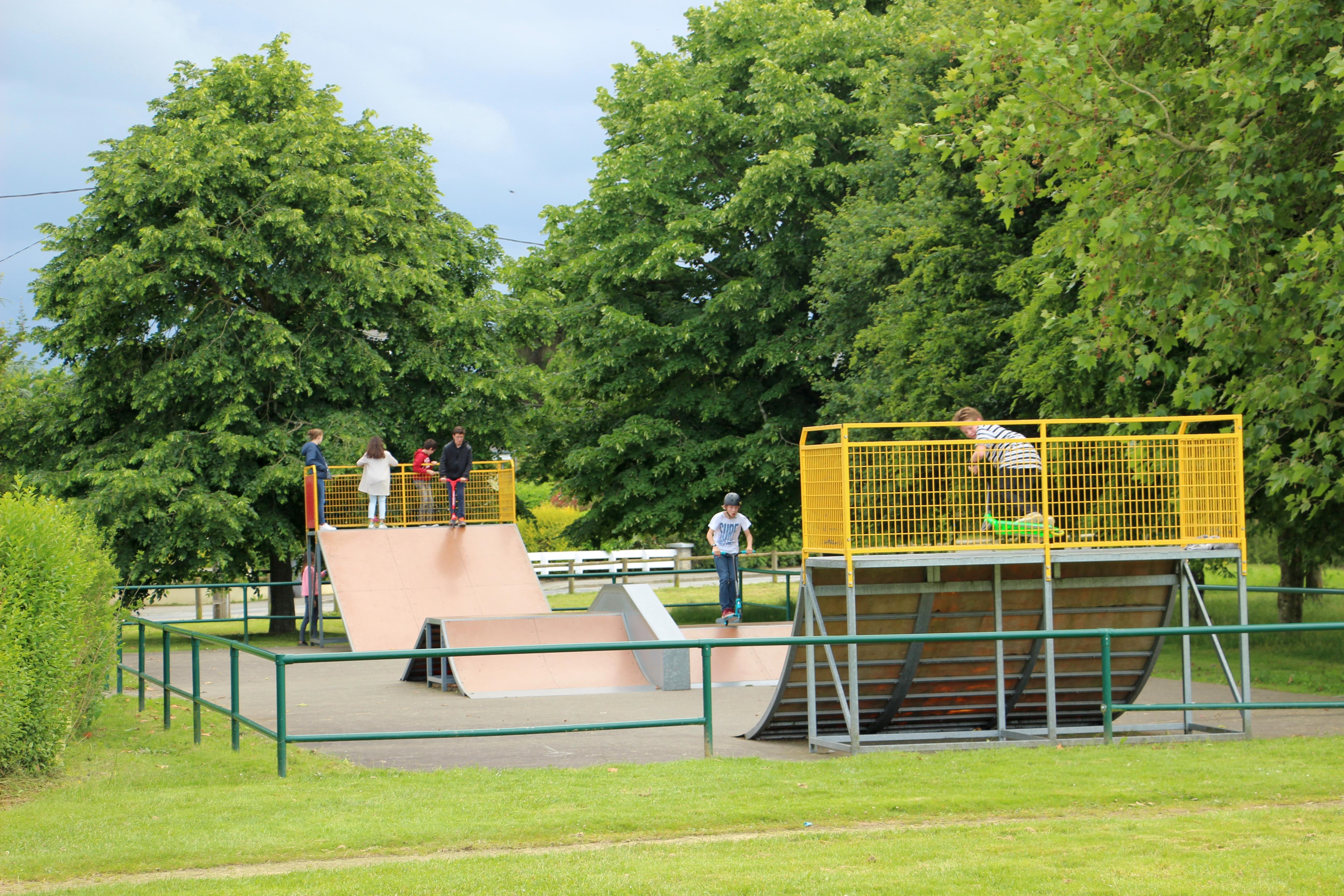 De la salle park 28 images phyllis rawlinson park de for Canape lake park